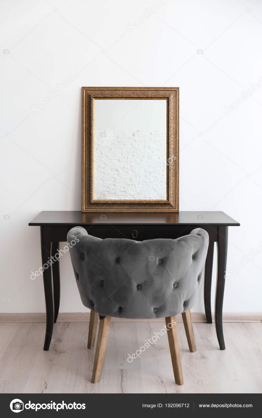 Modern wood dressing table | Modern makeup room interior with ..