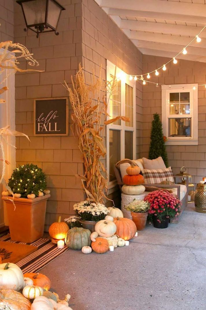 Neutral Fall Porch Decor with Pumpkins and Cornstalks (With images ..