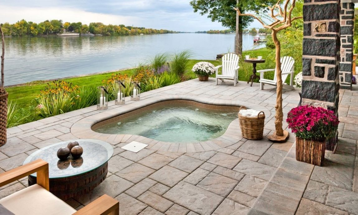Outdoor Jacuzzi Ideas: Designs, Pros, and Cons [A Complete Guide] - backyard jacuzzi ideas