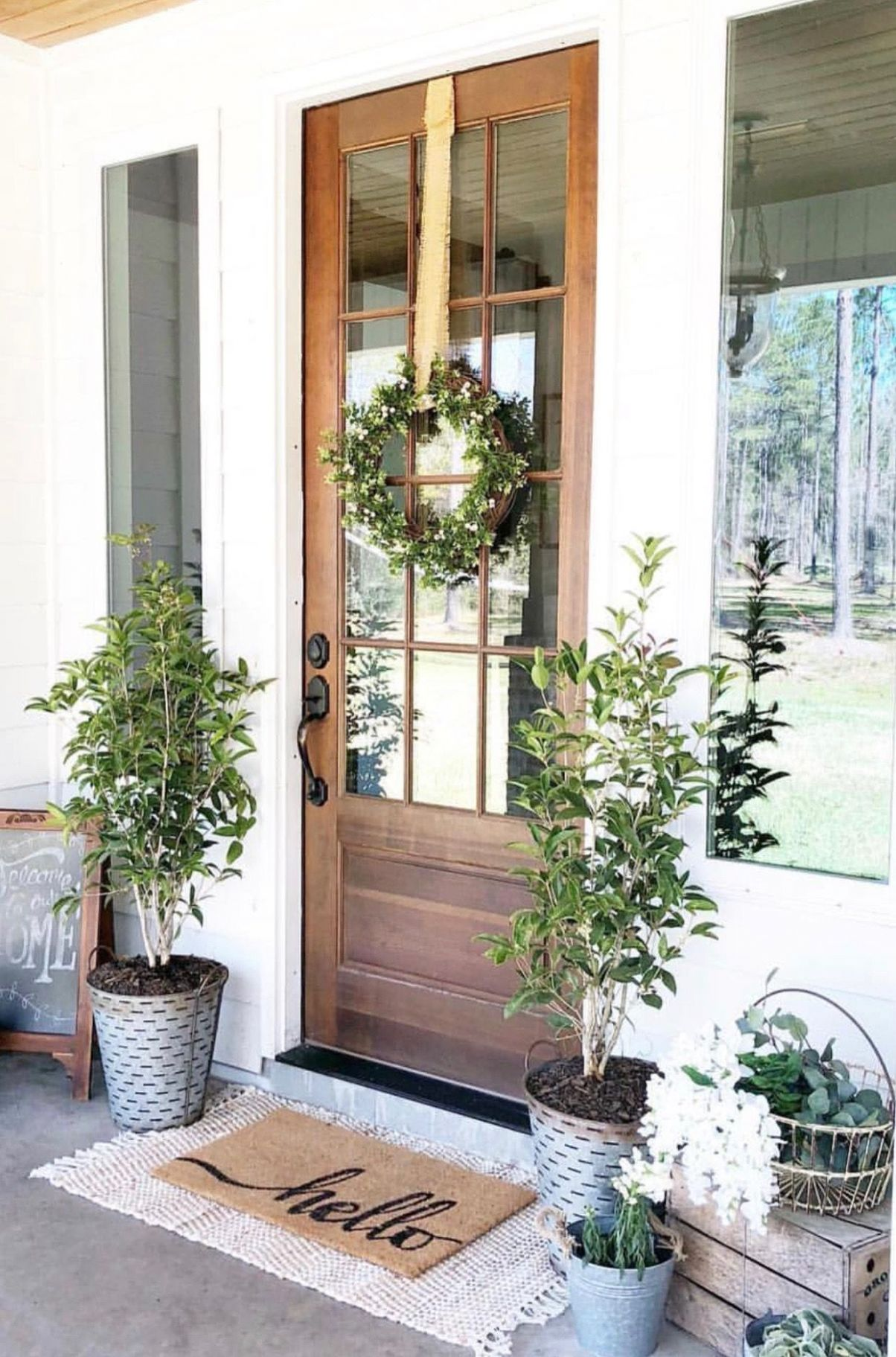 Perfect porch decor for spring or summer | House exterior, Front ..