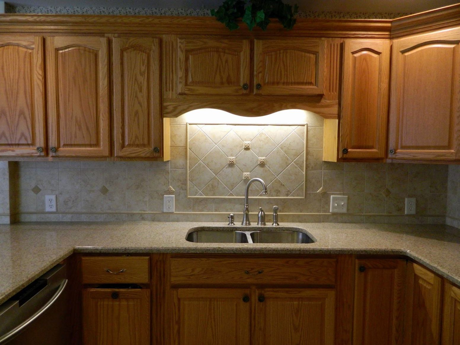 Picture of Natural Oak Cabinets with Granite Countertops - kitchen ideas oak cabinets