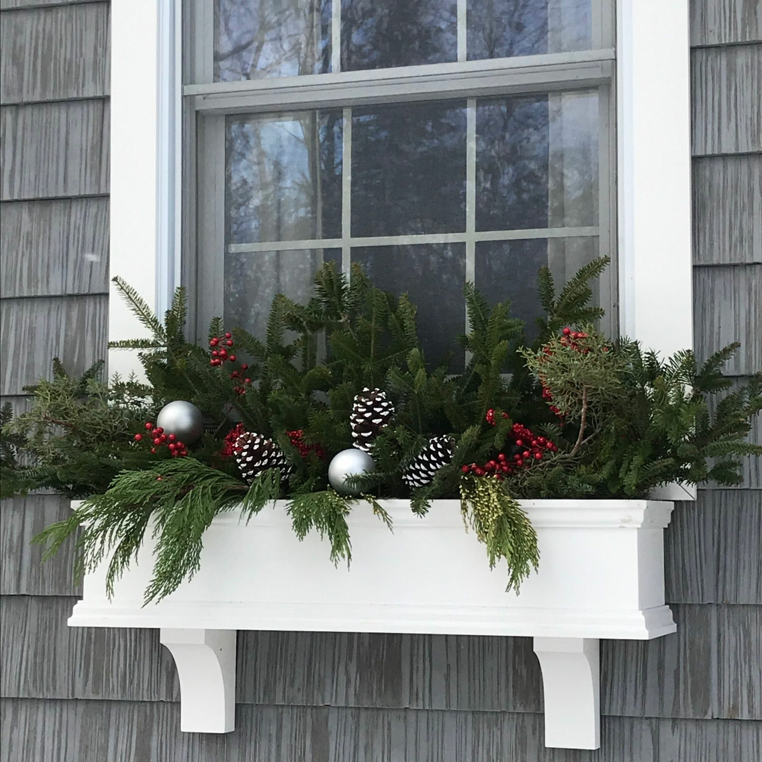 Pin by Maureen DeRoy on Window Box (With images) | Christmas porch ..