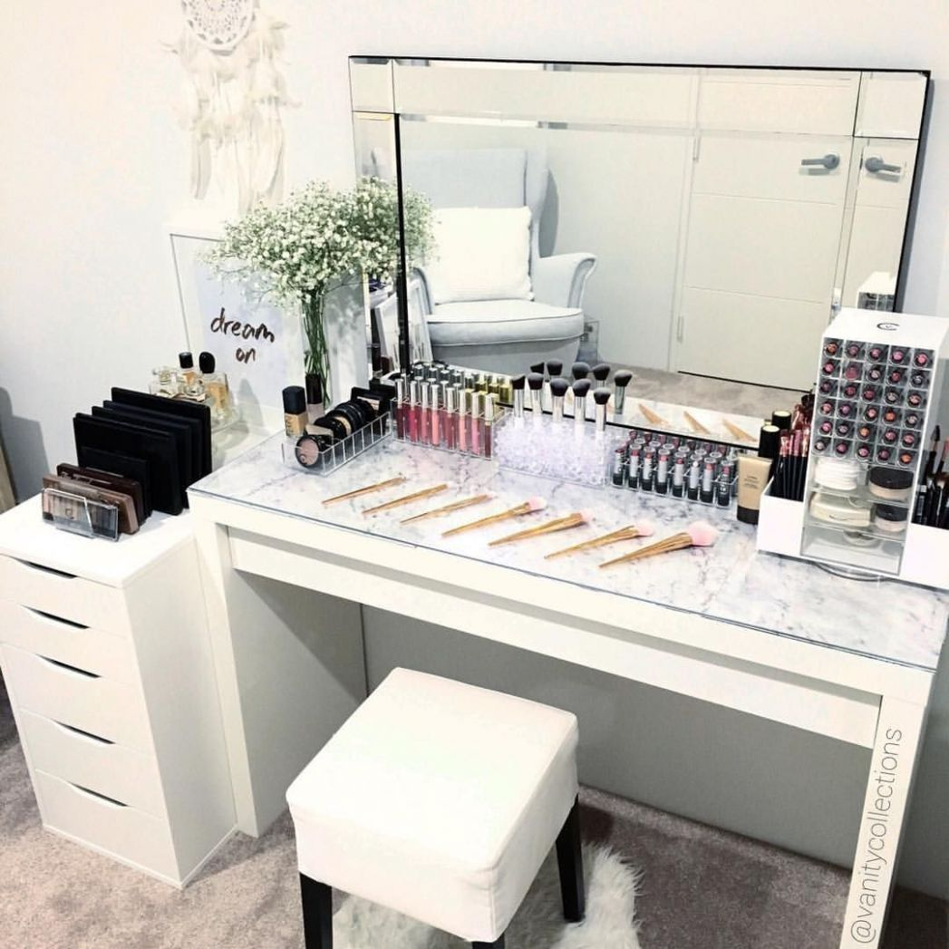 Pin on Bedroom Ideas - makeup room table