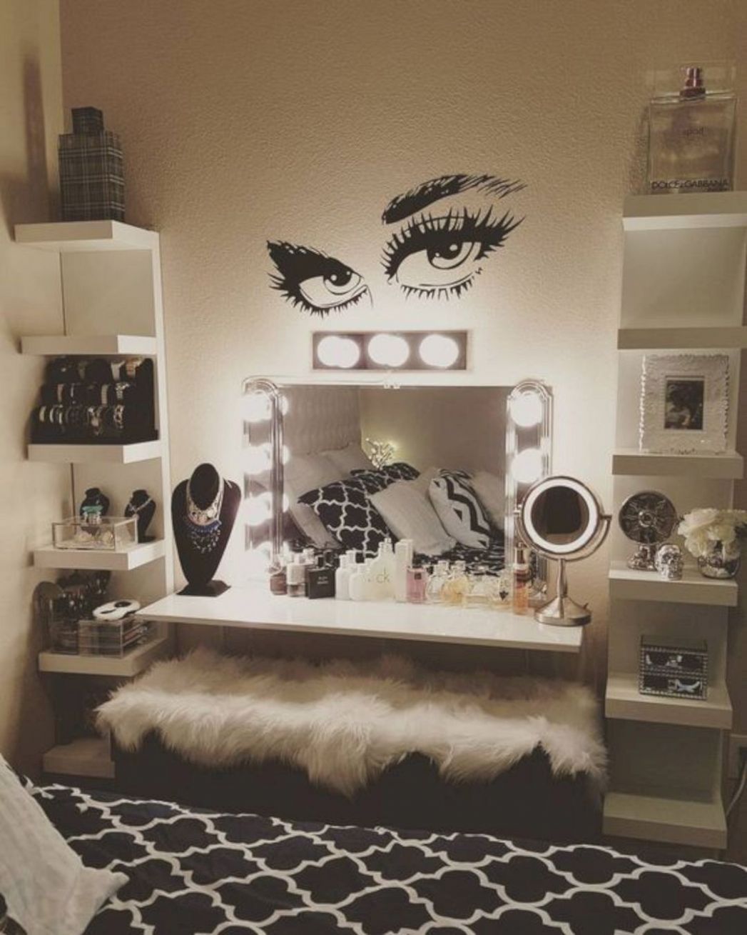 Pin on Gorgeous Interior Ideas - makeup room holywood