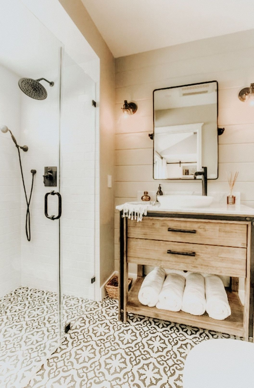 Pinterest alanamorg (With images) | Small bathroom ideas on a ..