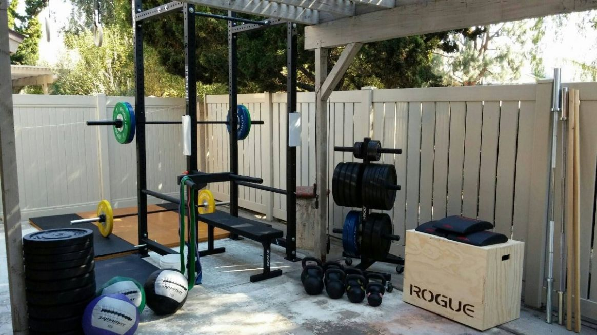Power rack with bench inside and platform behind. (With images ...