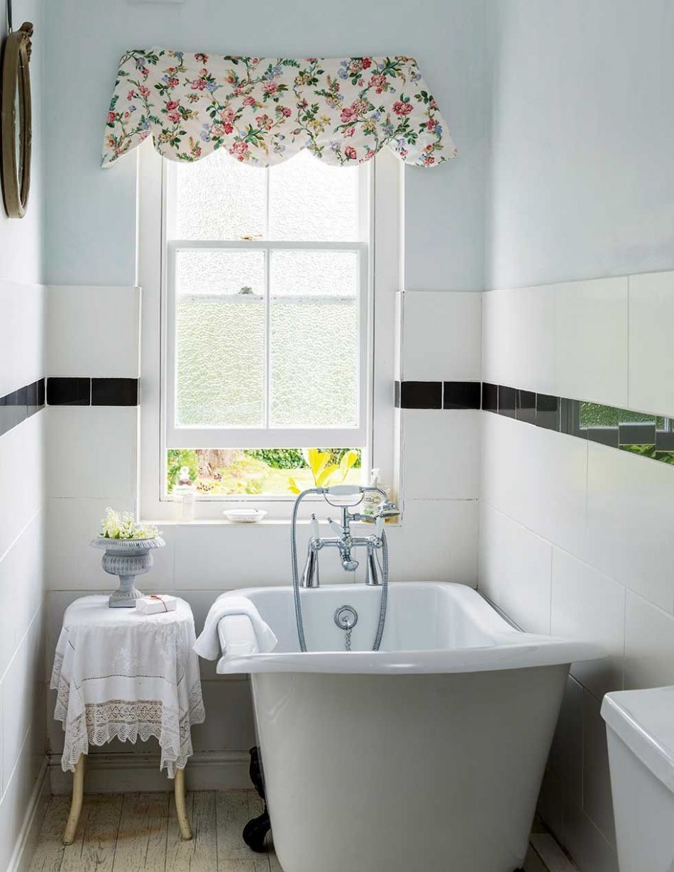 Real home: a renovated thatched holiday cottage (With images ...