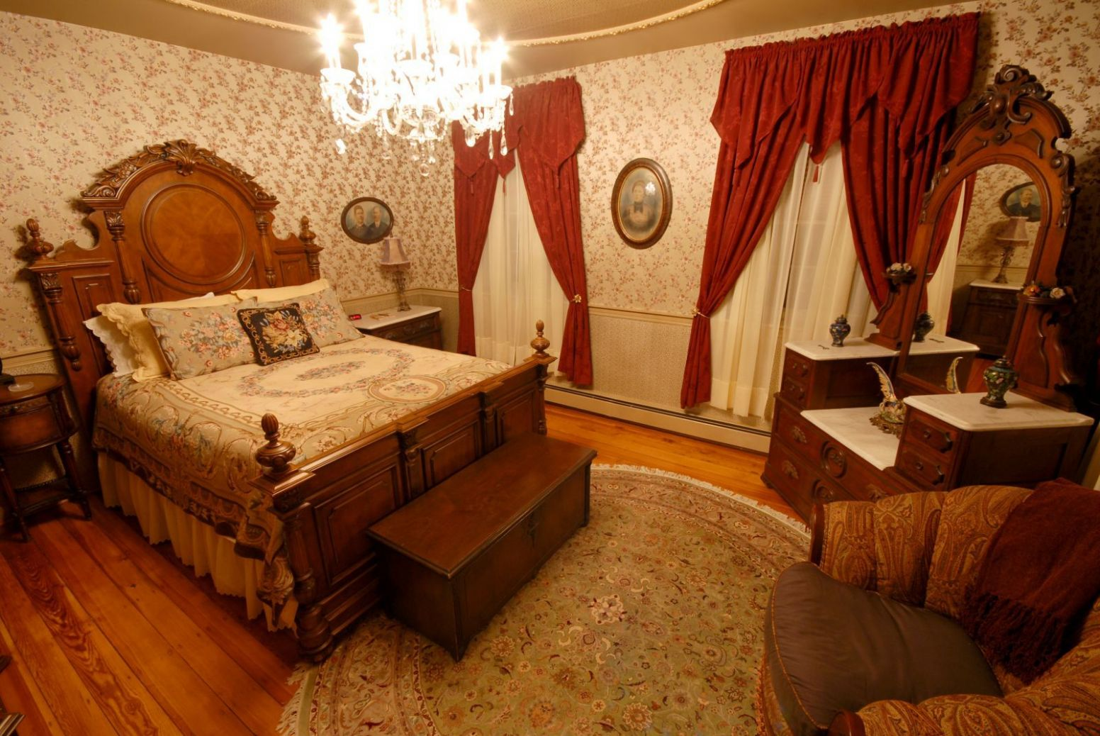 Red Victorian : Wood Wall Decorating Ideas: You Can Also Apply A ..
