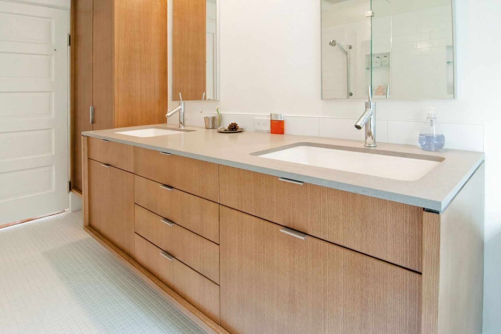 rift sawn white oak bathroom - Google Search (With images) | White ..