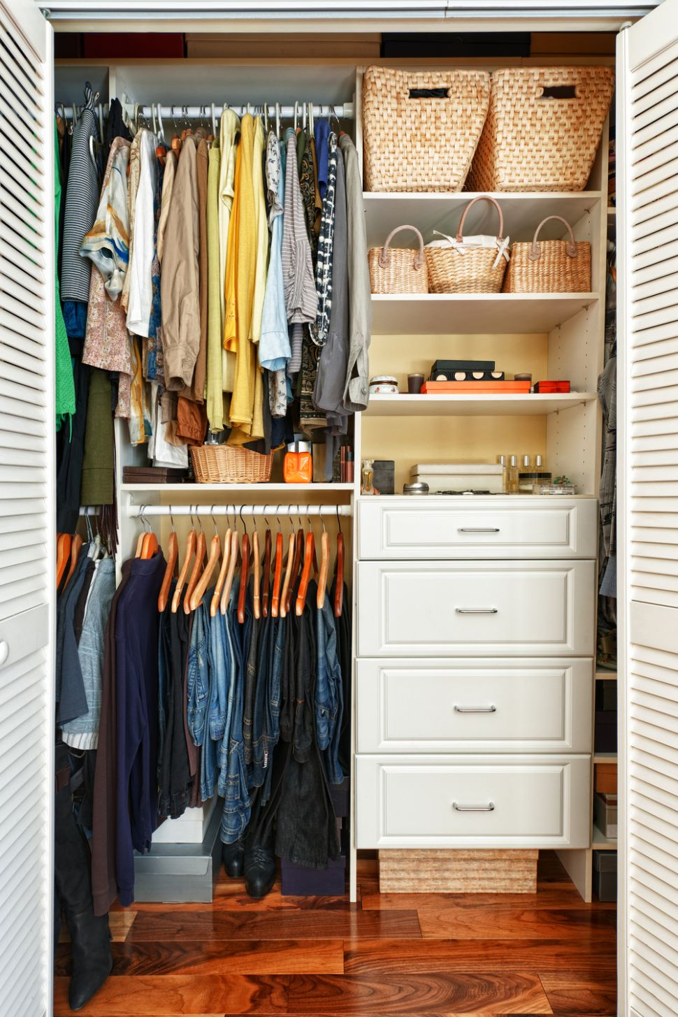 Seriously Useful Apartment-Friendly Closet Organization Ideas for ...