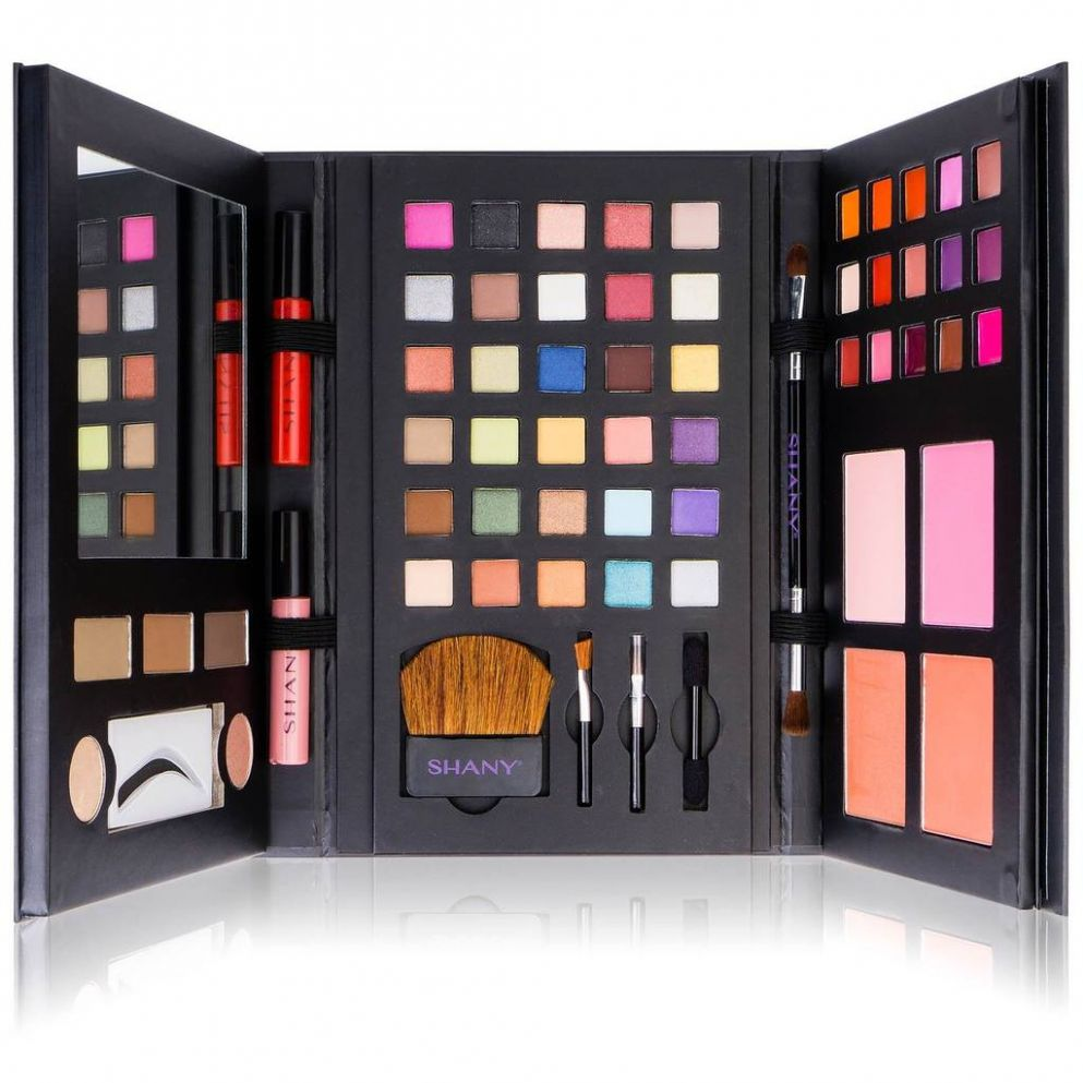 SHANY Luxe Book Makeup Set - All In One Set - makeup kit room