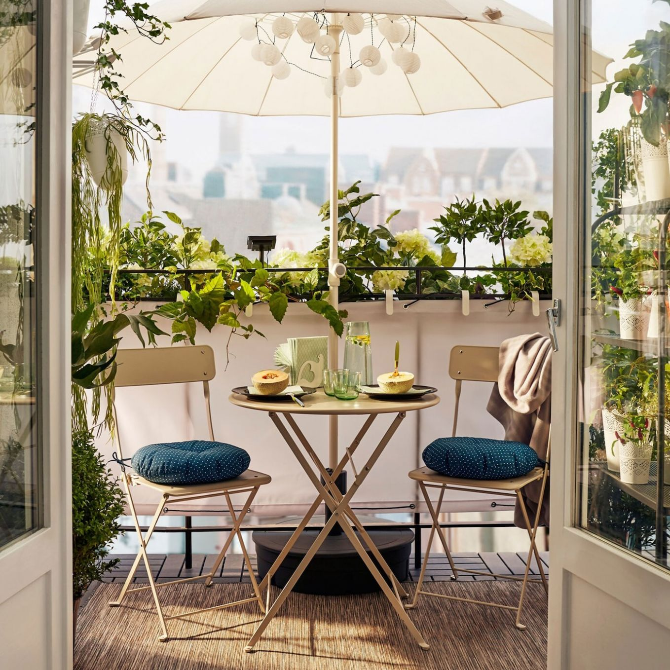 Simple elegance for small balconies - IKEA