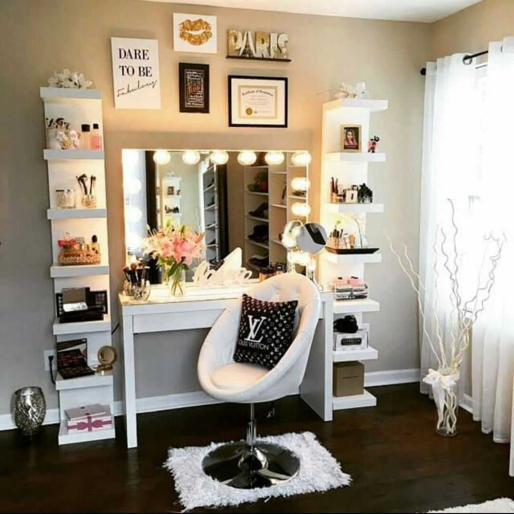 Simple hair and make up vanity! Good way to have everything in ...