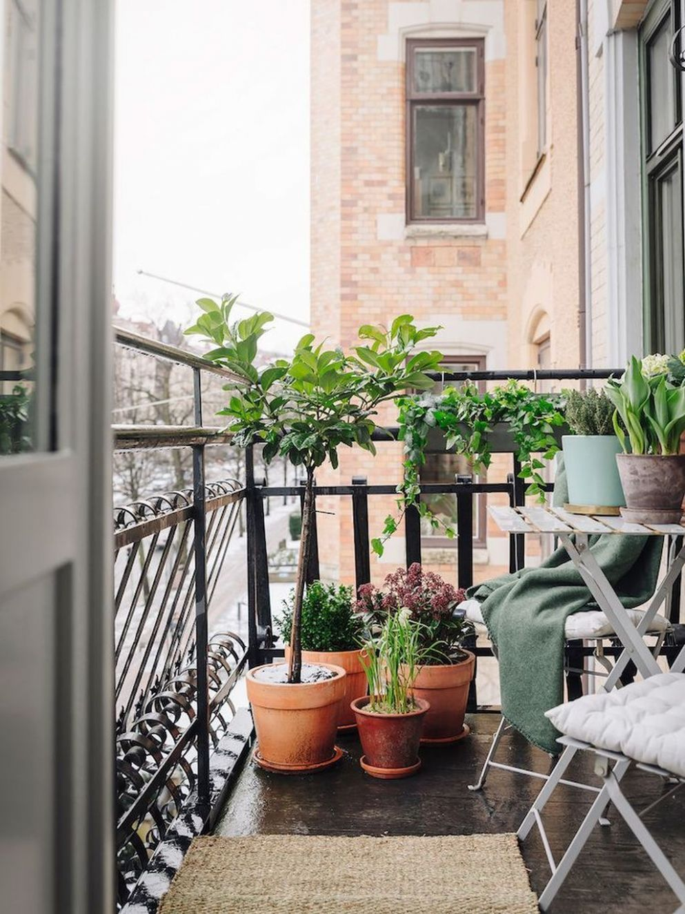 Small Apartment Balcony Garden Ideas India (With images) | Small ..