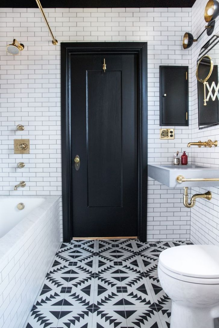 Small Bathroom Ideas in Black, White & Brass (With images ...