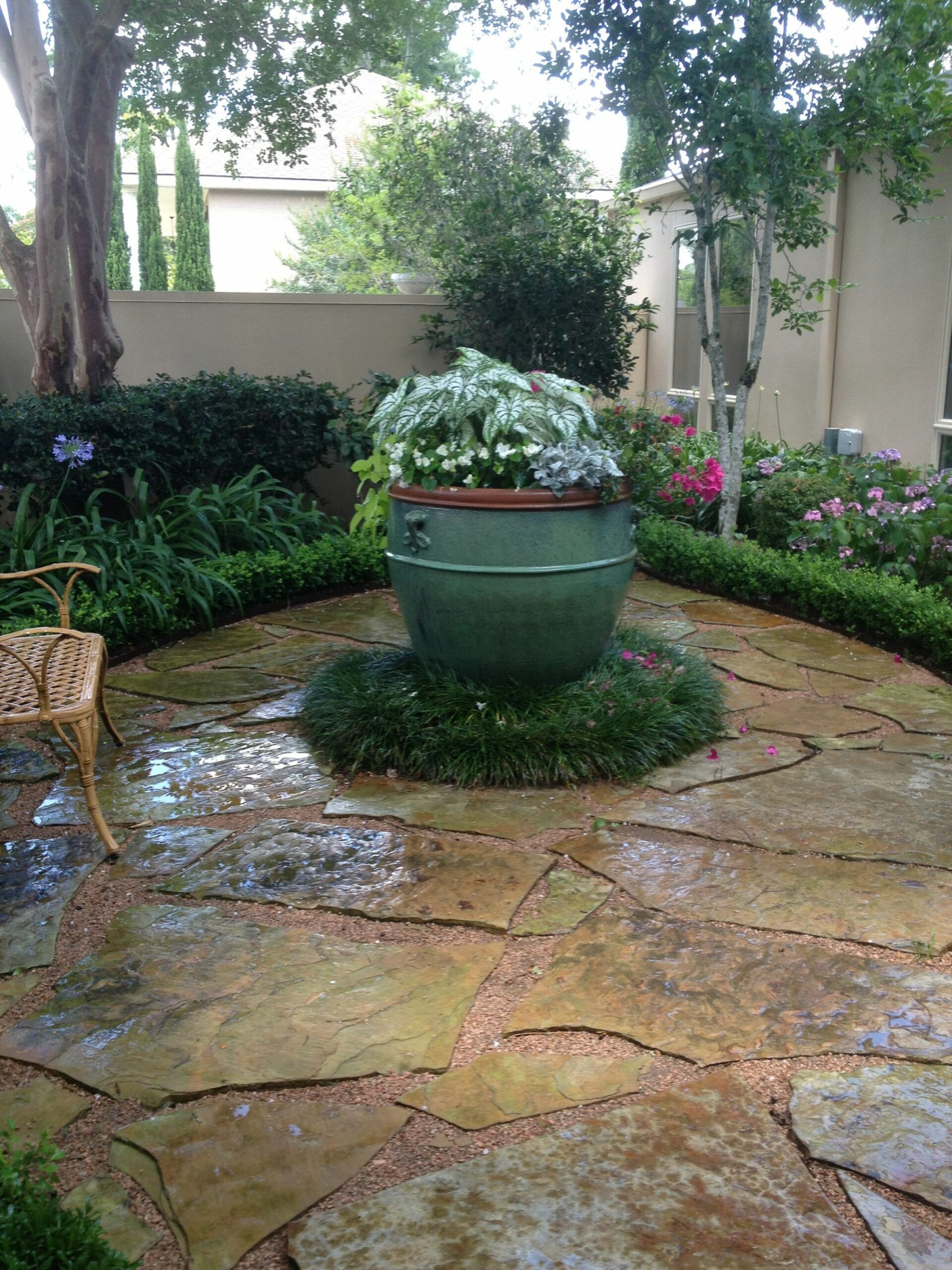 Small front entry courtyard. | Patio entry ideas