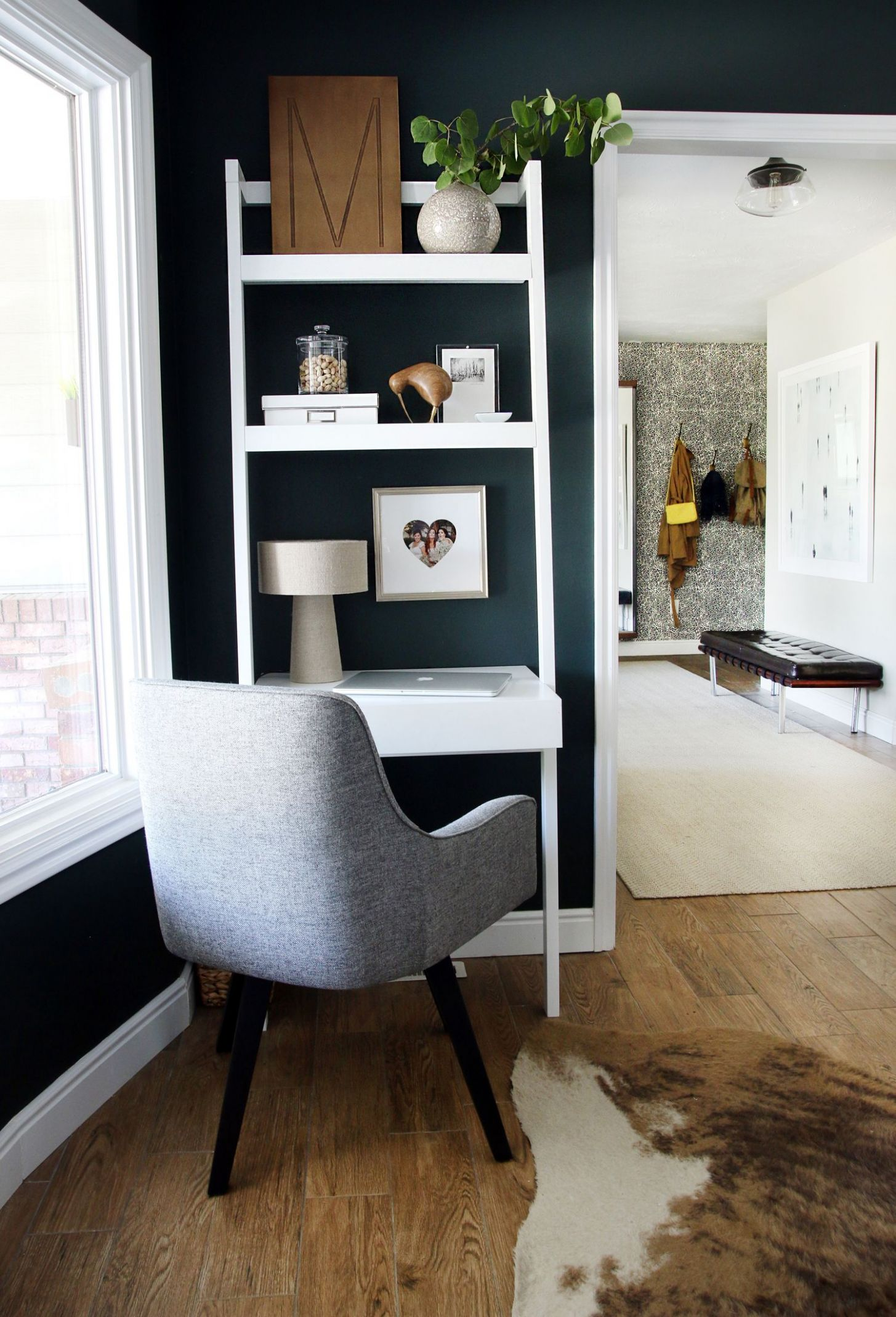 Small Home Office Ideas (With images) | Small home offices, Desk ..