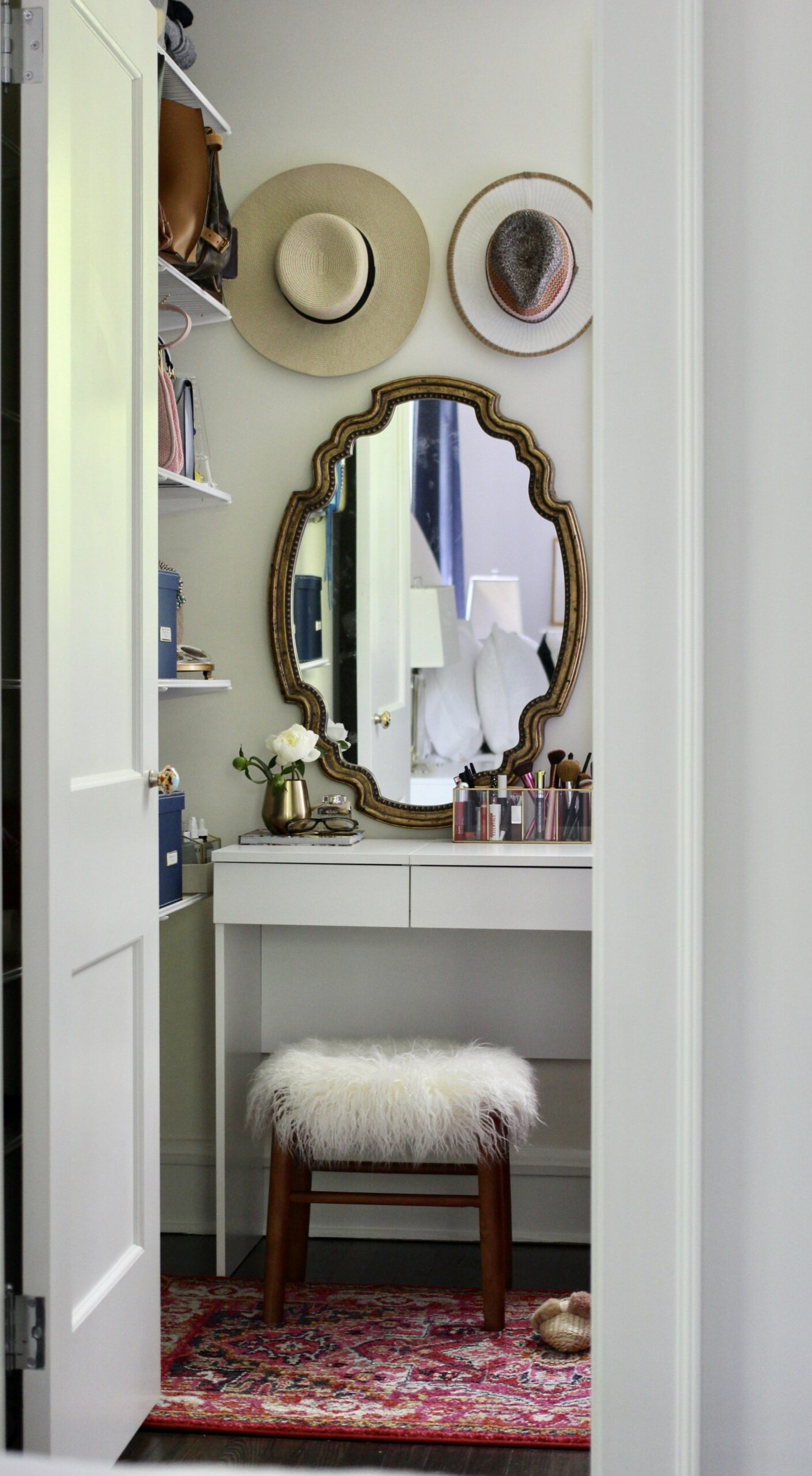 Small Spaces Decor Inspiration: How to Create a Vanity in Your ..
