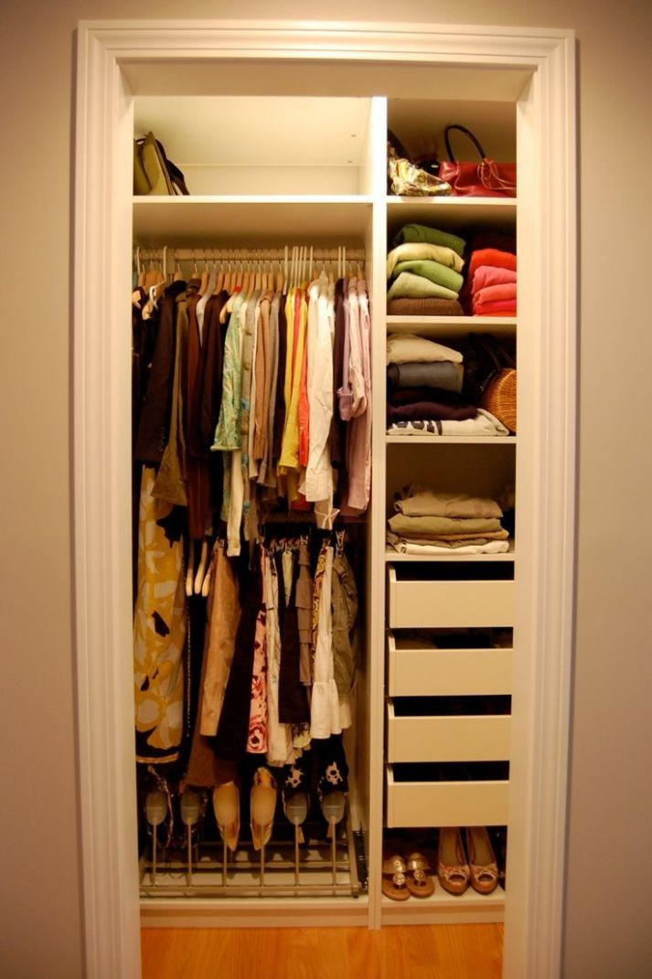 small walk in closet layout | Closet Organization Ideas Using Walk ...