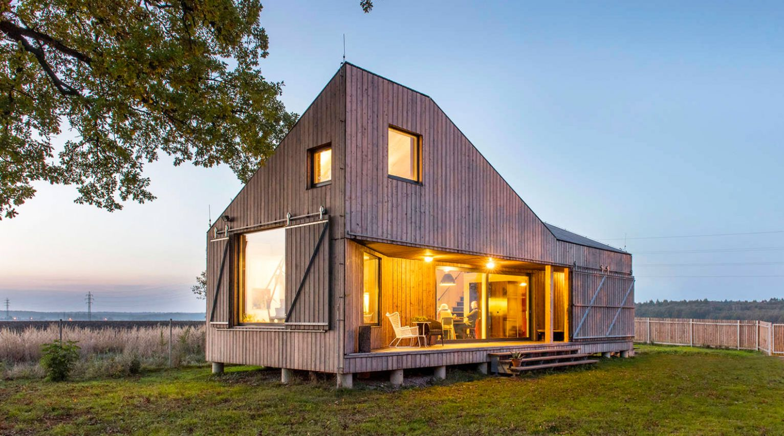 "Spectacular ""Zilvar"" wooden house was inspired by nature - eco house inspiration"