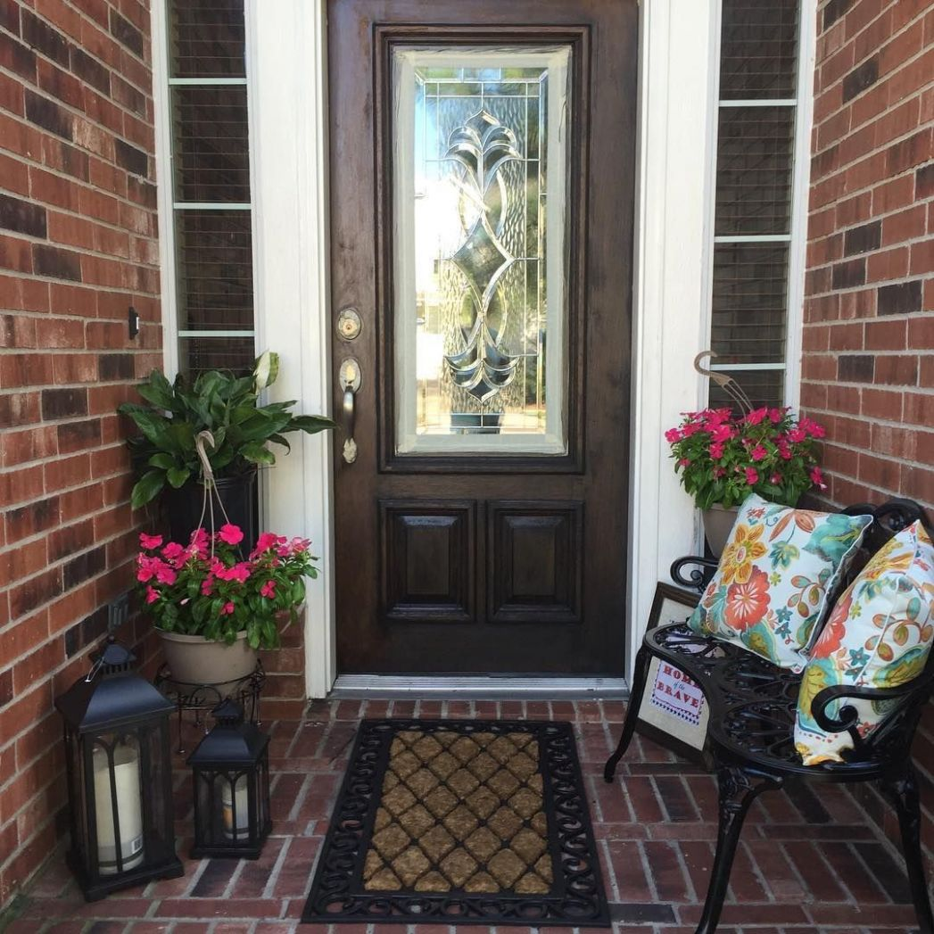 Spring Outdoor decorating. Small Front Porch | Small Outdoor ..