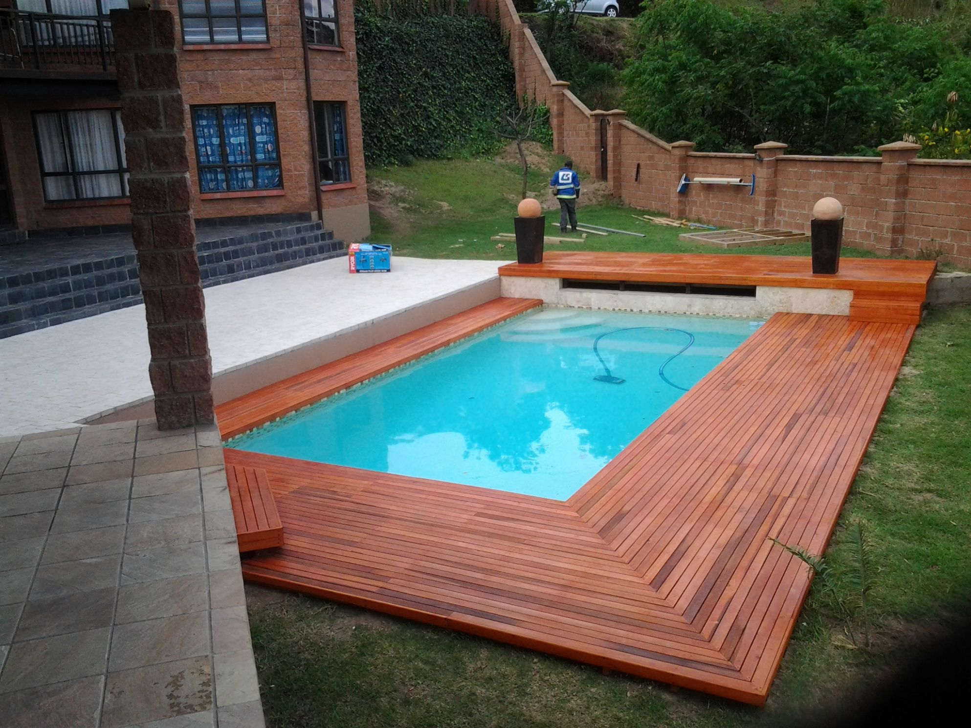 Square Pool Design With Wooden Floor Ideas For Best Outdoor ..