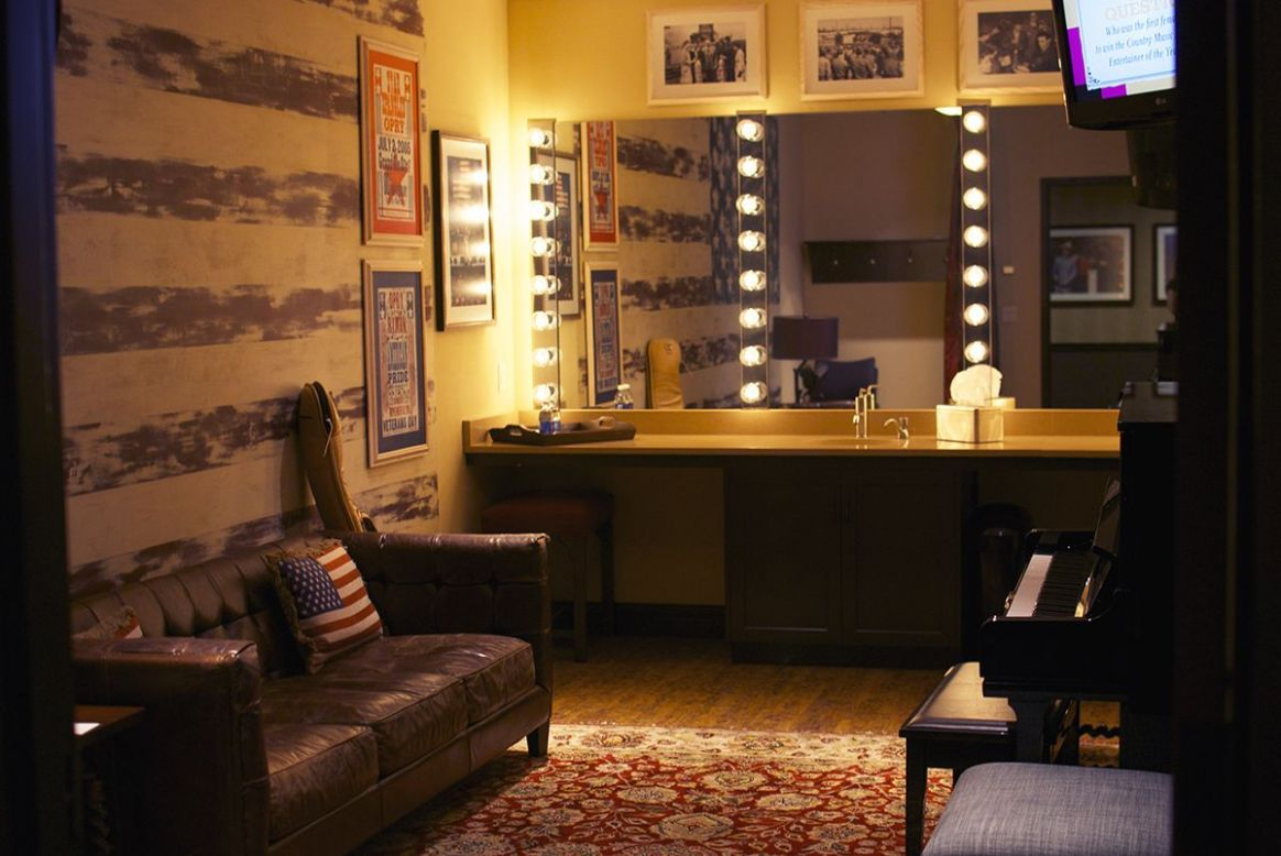 stage dressing room - Google Search | Green rooms, Girls dressing ..