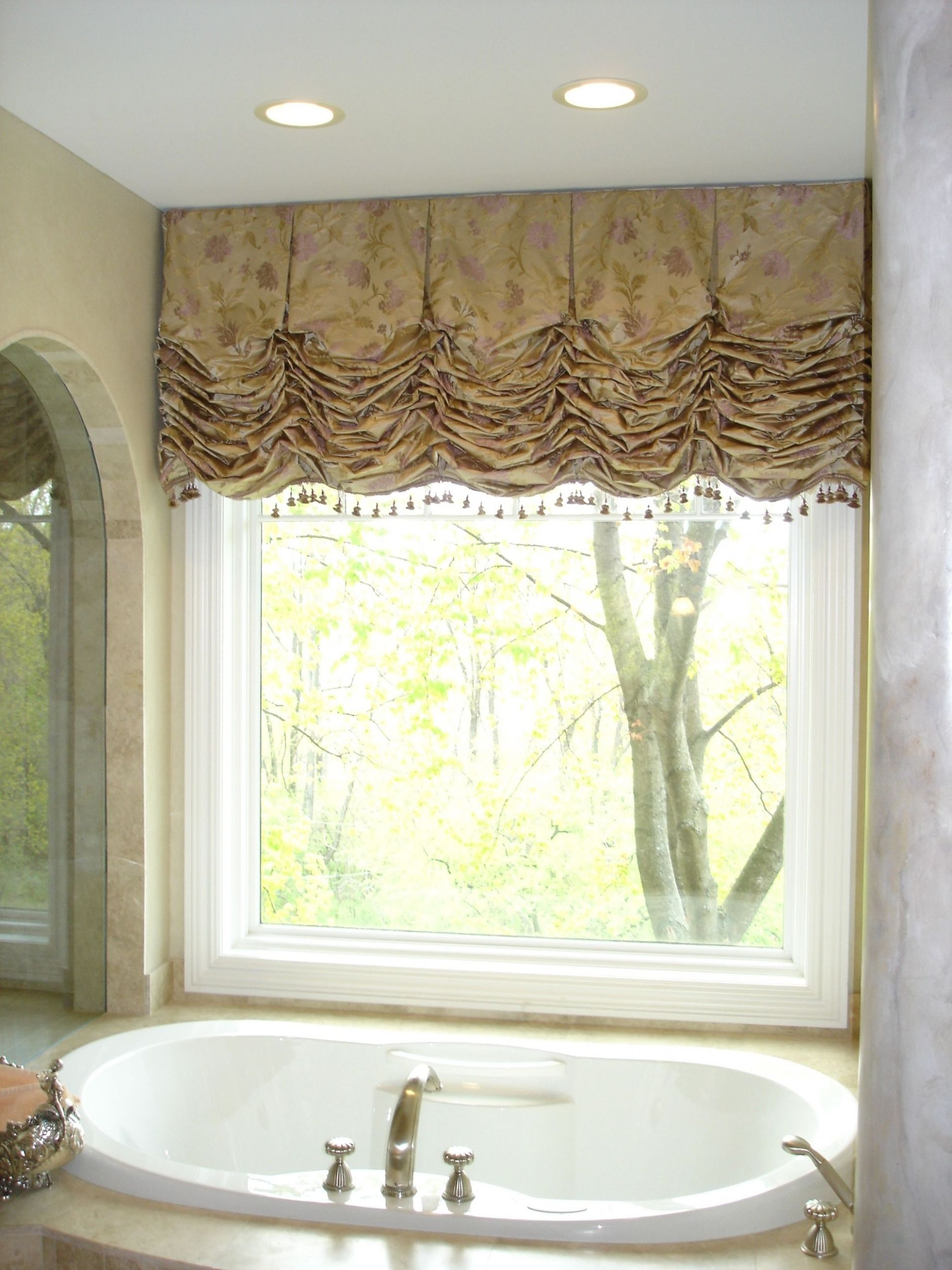Style and elegance. (With images) | Bathroom valance, Bathroom ...