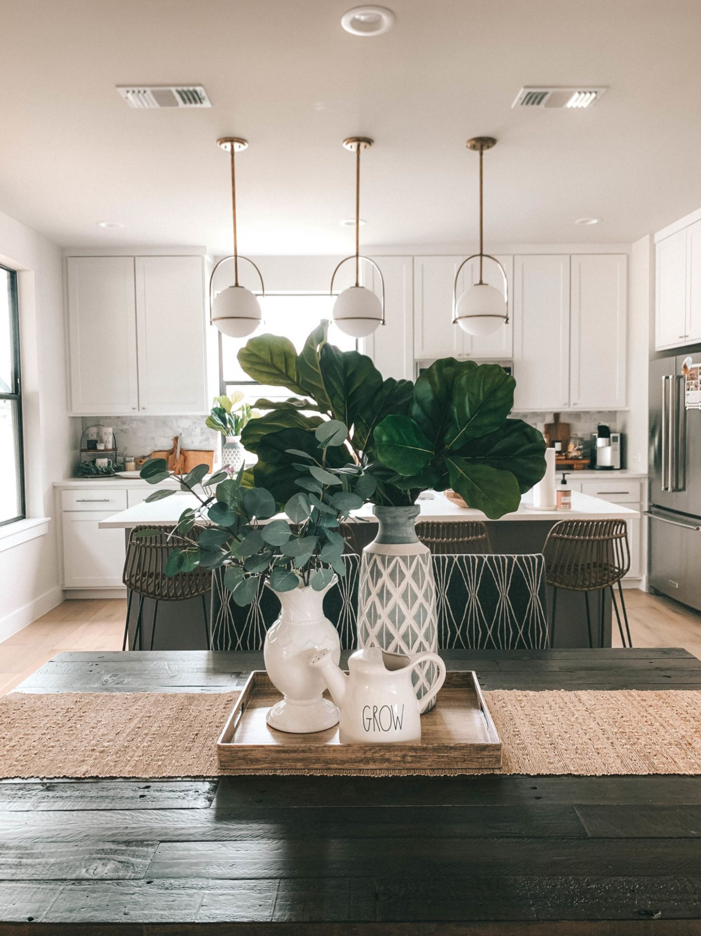 Summer Dining Room Decorating Ideas | lifestyle | Dressed to Kill - dining room theme ideas