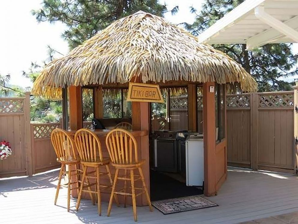 Swimming Pool Tiki Hut Outdoor Kitchen Games Room Bdrm Do It ...