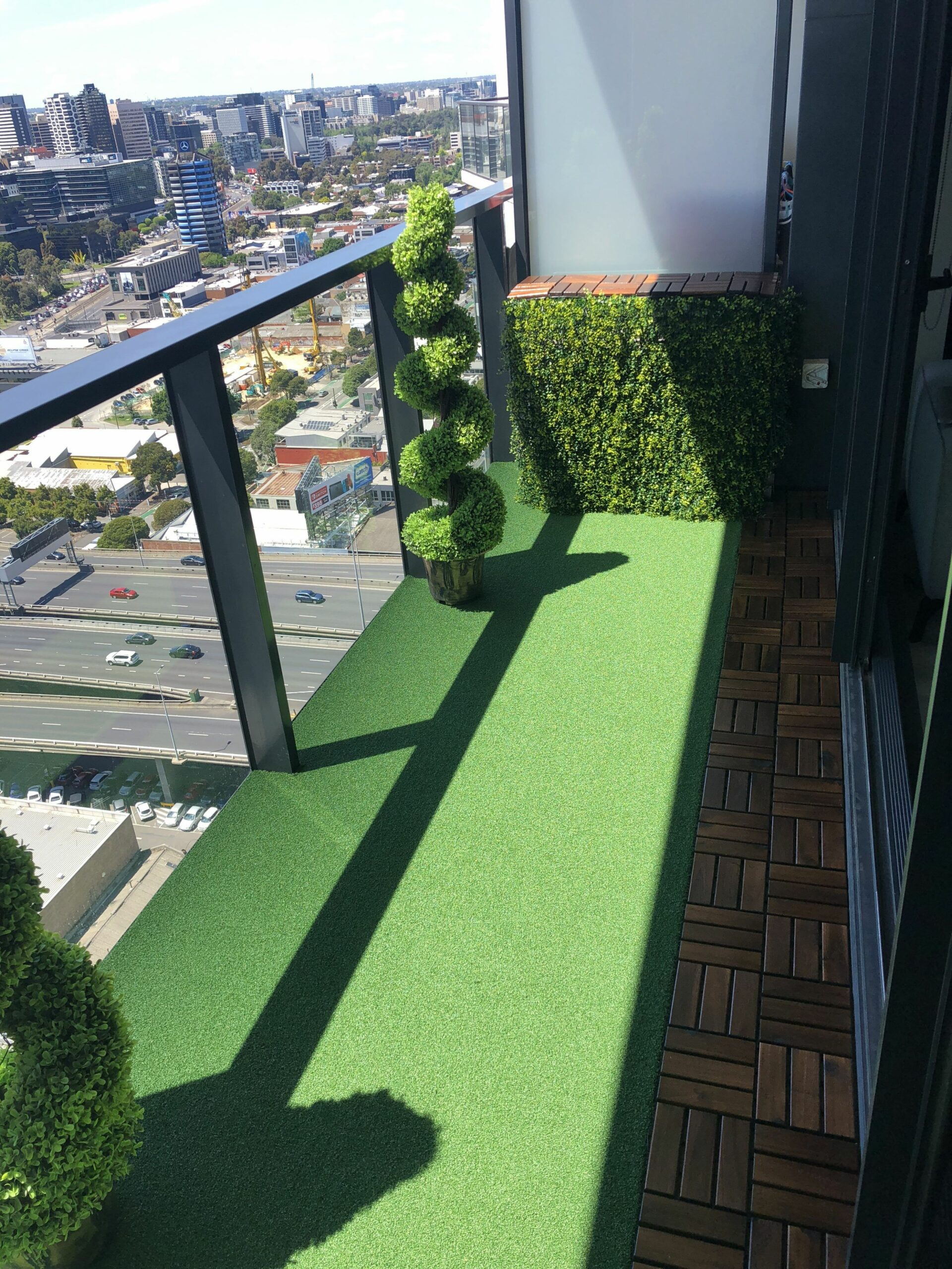 Synthetic grass balcony | Artificial grass balcony, Small balcony ..