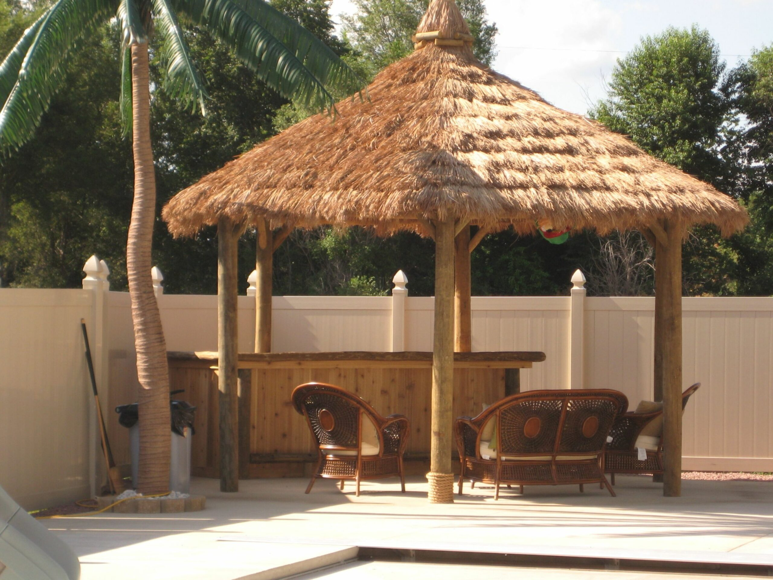 thatch roof kits for deck | How Make Tiki Hut Palm Leaf Roof ..