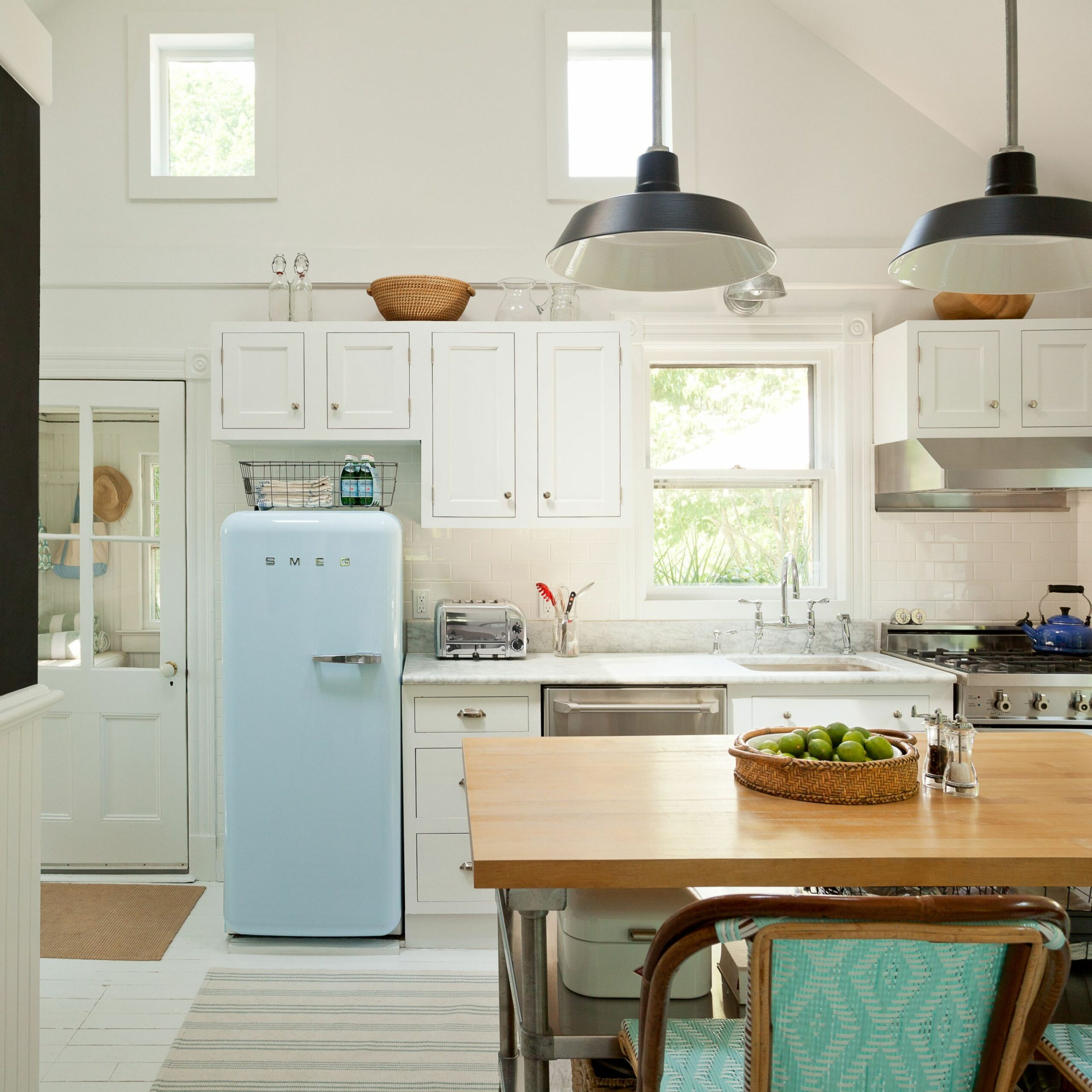 The Best Small Kitchen Design Ideas for Your Tiny Space ...