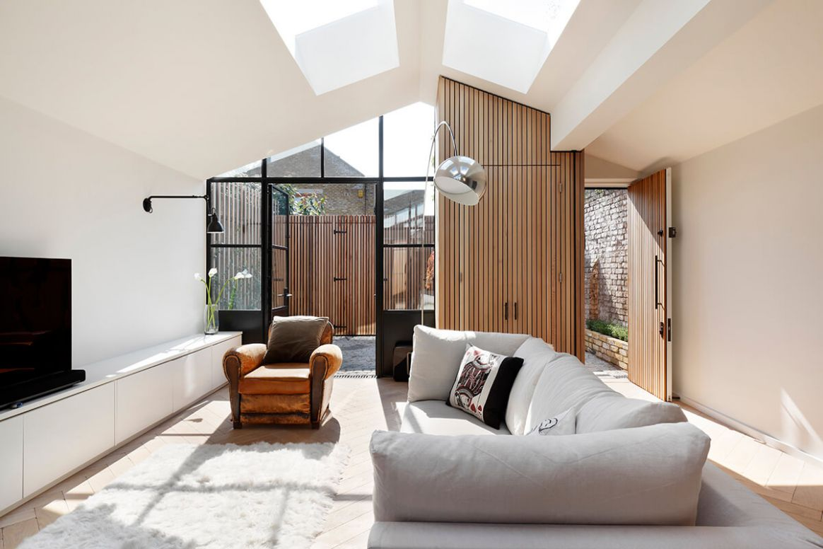 The Courtyard House, London - Fineshmaker