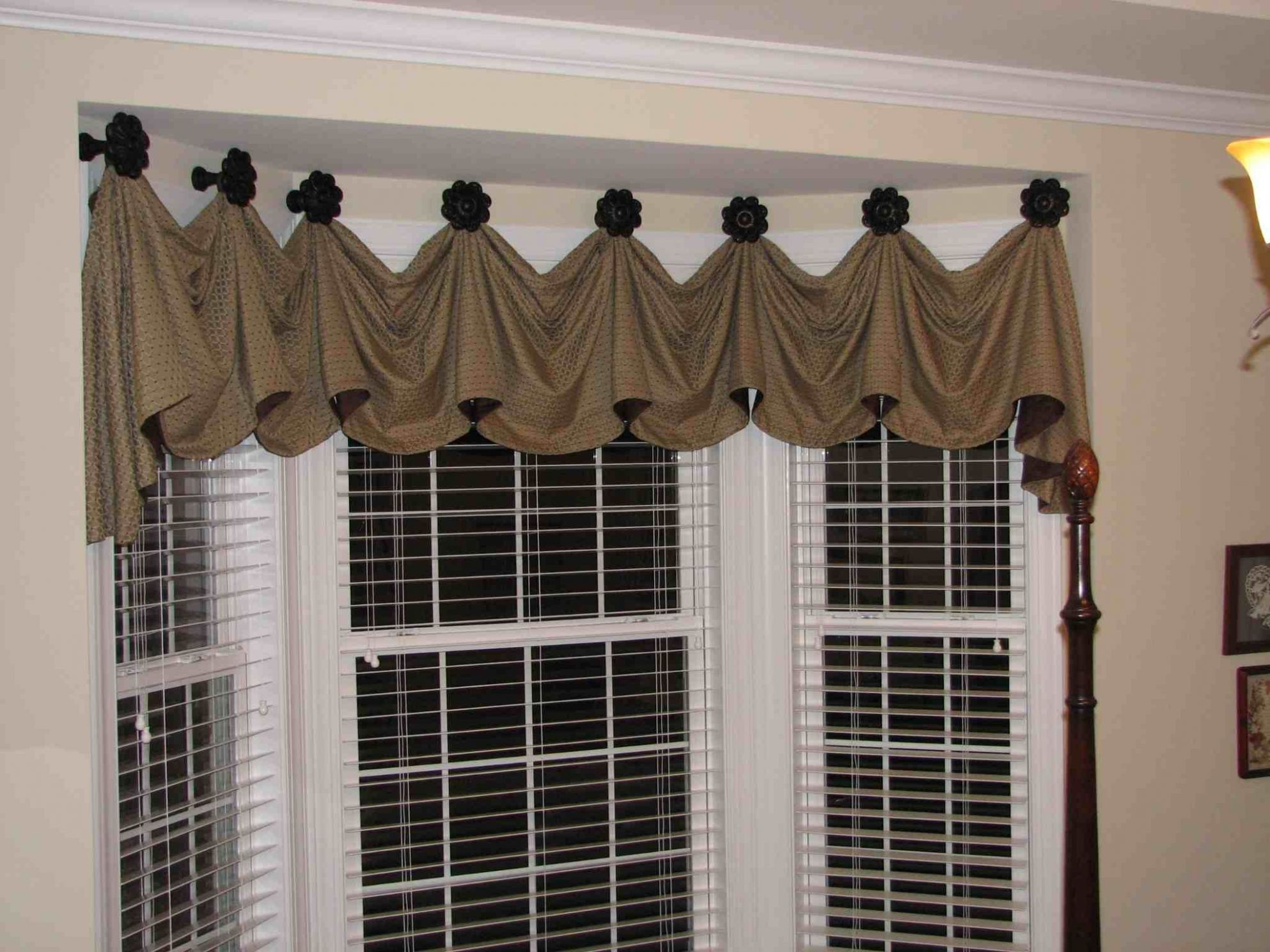 The Most Effective Solutions to Your Bay Window Curtains | Window ..