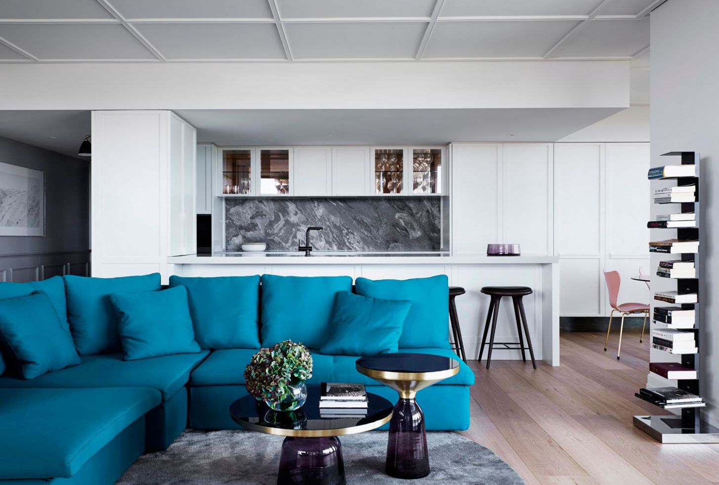 The Understated Luxury of a Refreshed Modern Penthouse ..