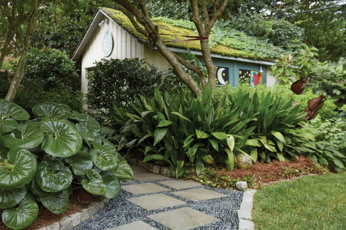 These 11 Atlanta backyards are oases with lush plantings ..