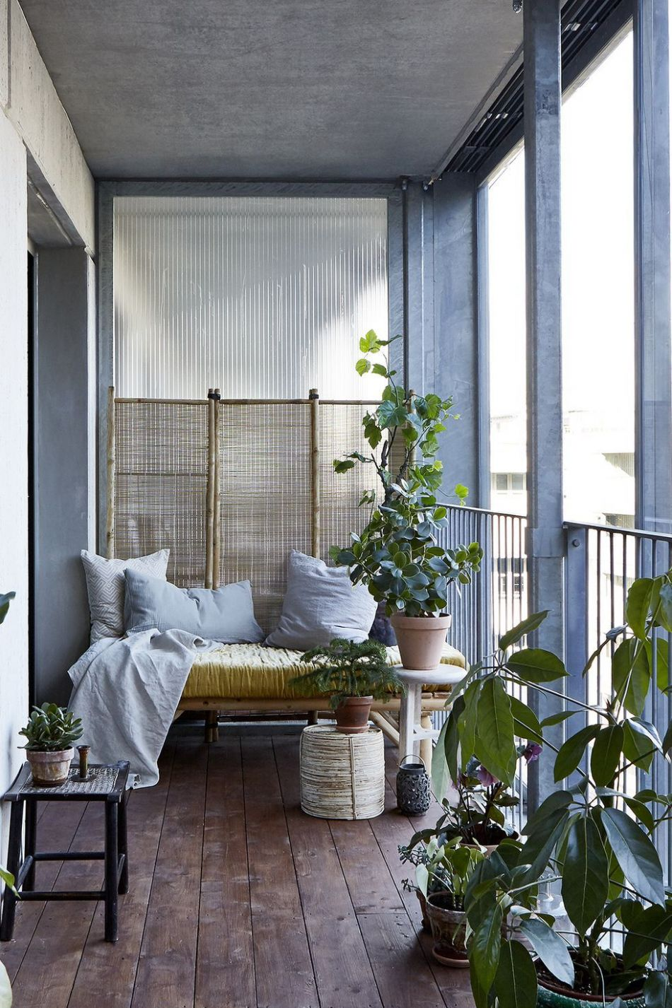 These Balcony Design Ideas Are Sexier Than That Infamous 'Romeo ...