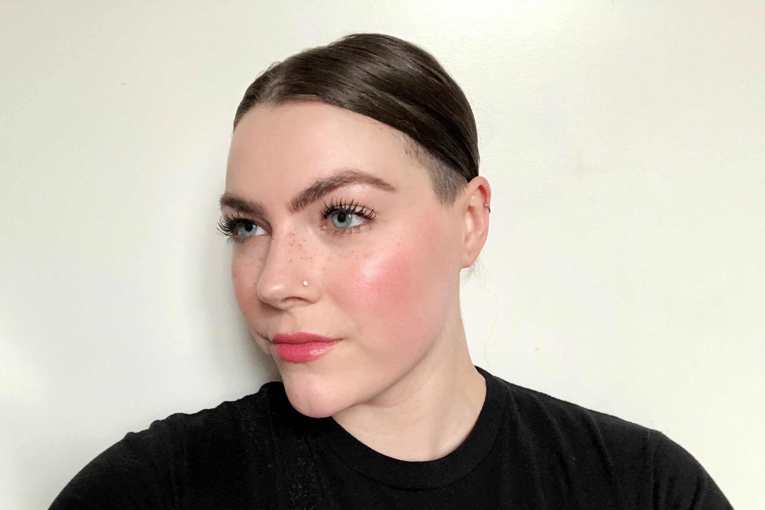 TikTokers Use Base Makeup Hack for Flawless Foundation — Editor ..