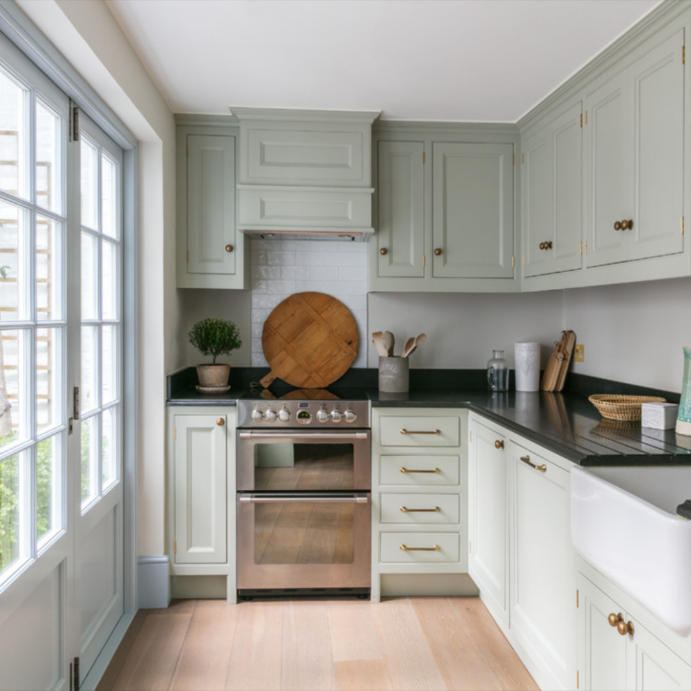 Traditional Kitchen Cabinets [ Photos & Tips for 12 ...