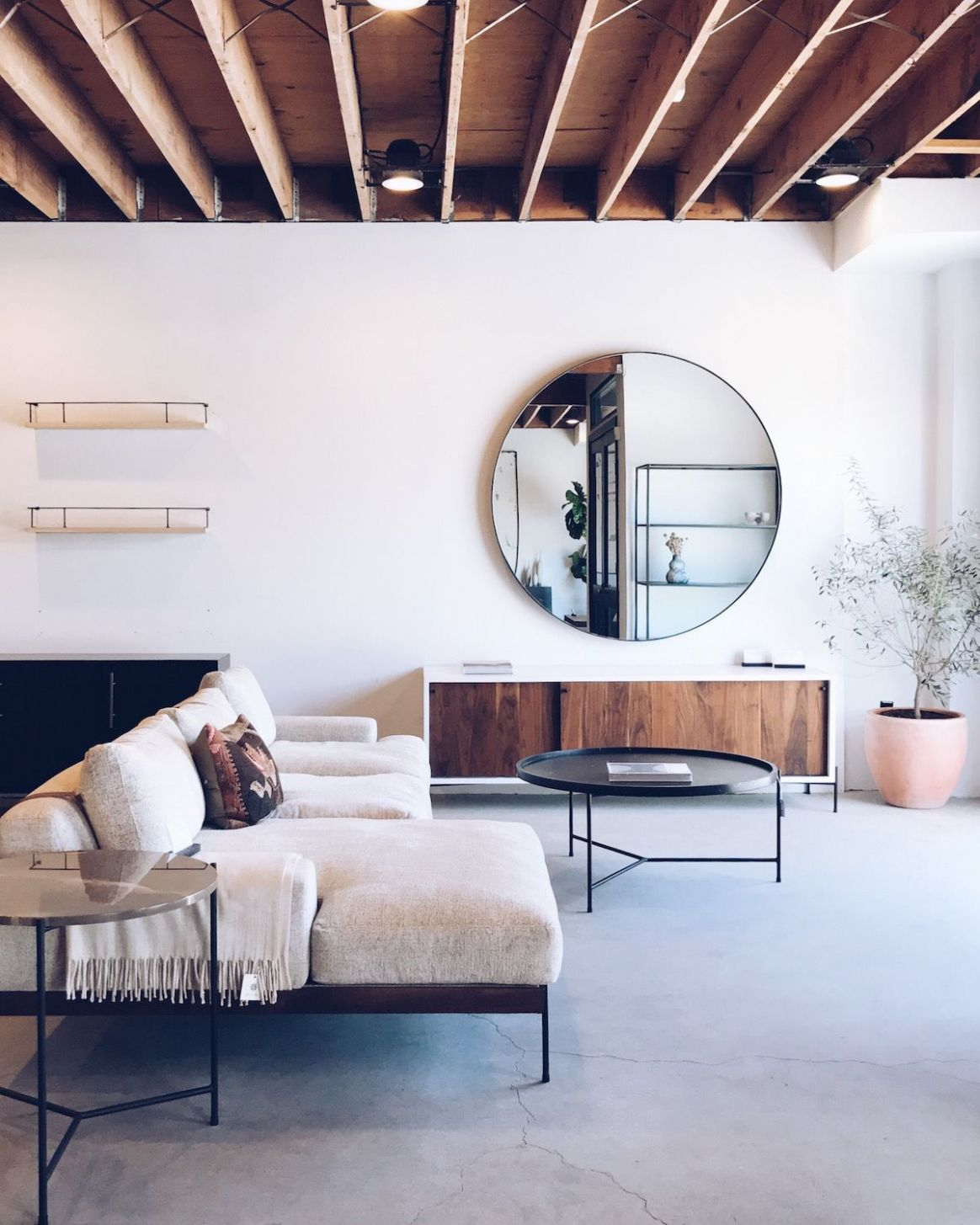 Travel Guide: 10 Hours in LA (With images) | Living room mirrors ...