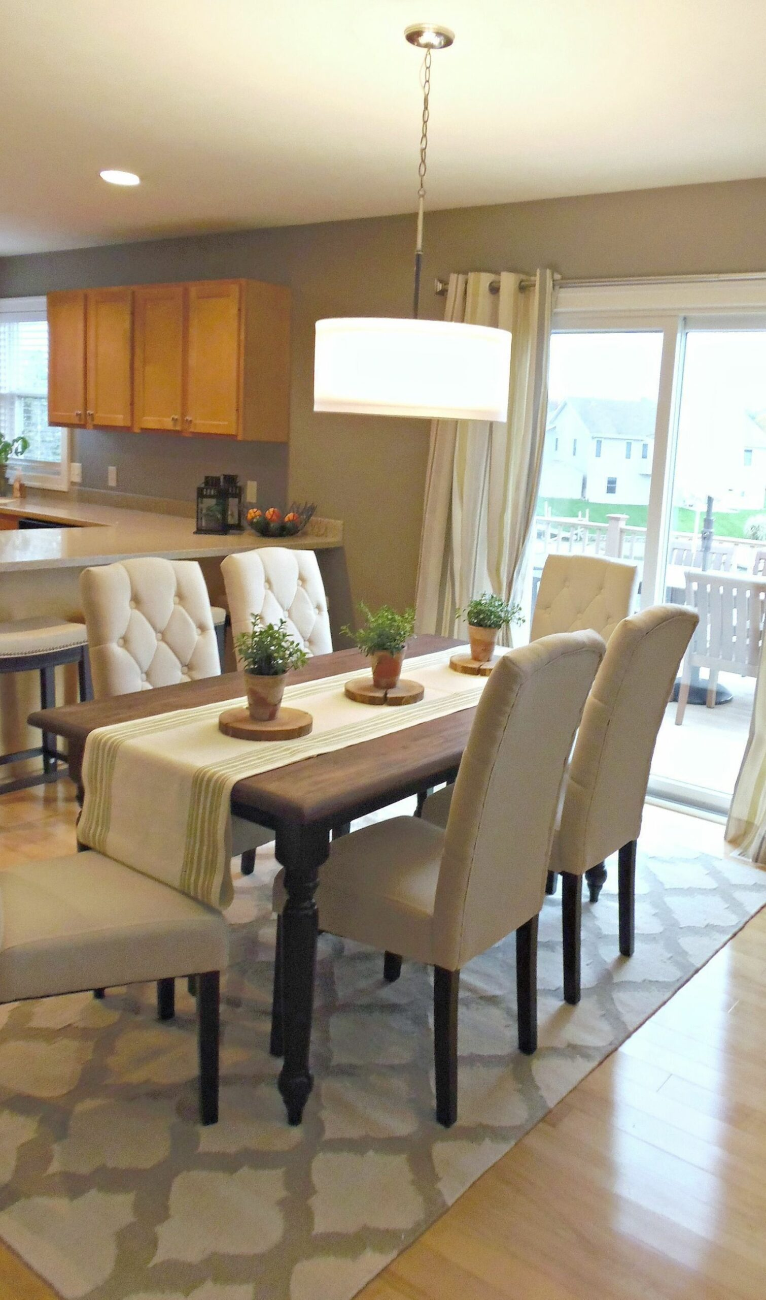 Trendy Dining Room Ideas - June, 8 (With images)   Beige dining ..