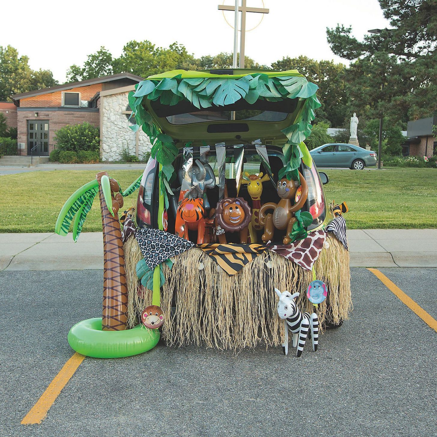 Trunk or Treat Juncle Decor: OrientalTrading.com (With images ...