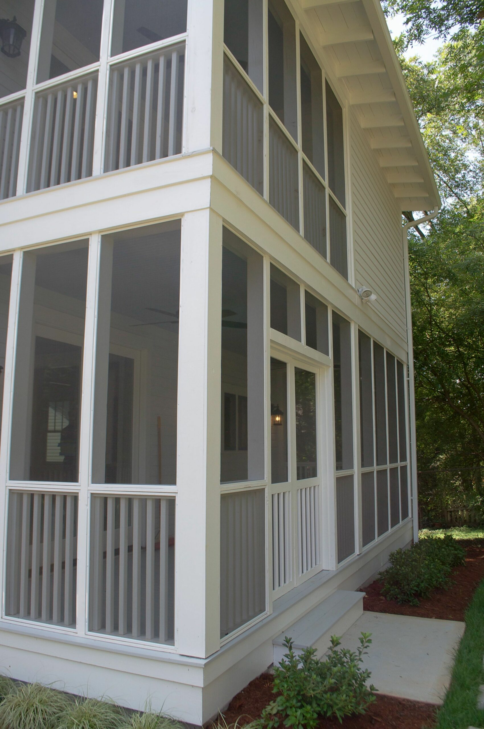 Two story screened in porch | Porch design, Screened porch designs ...