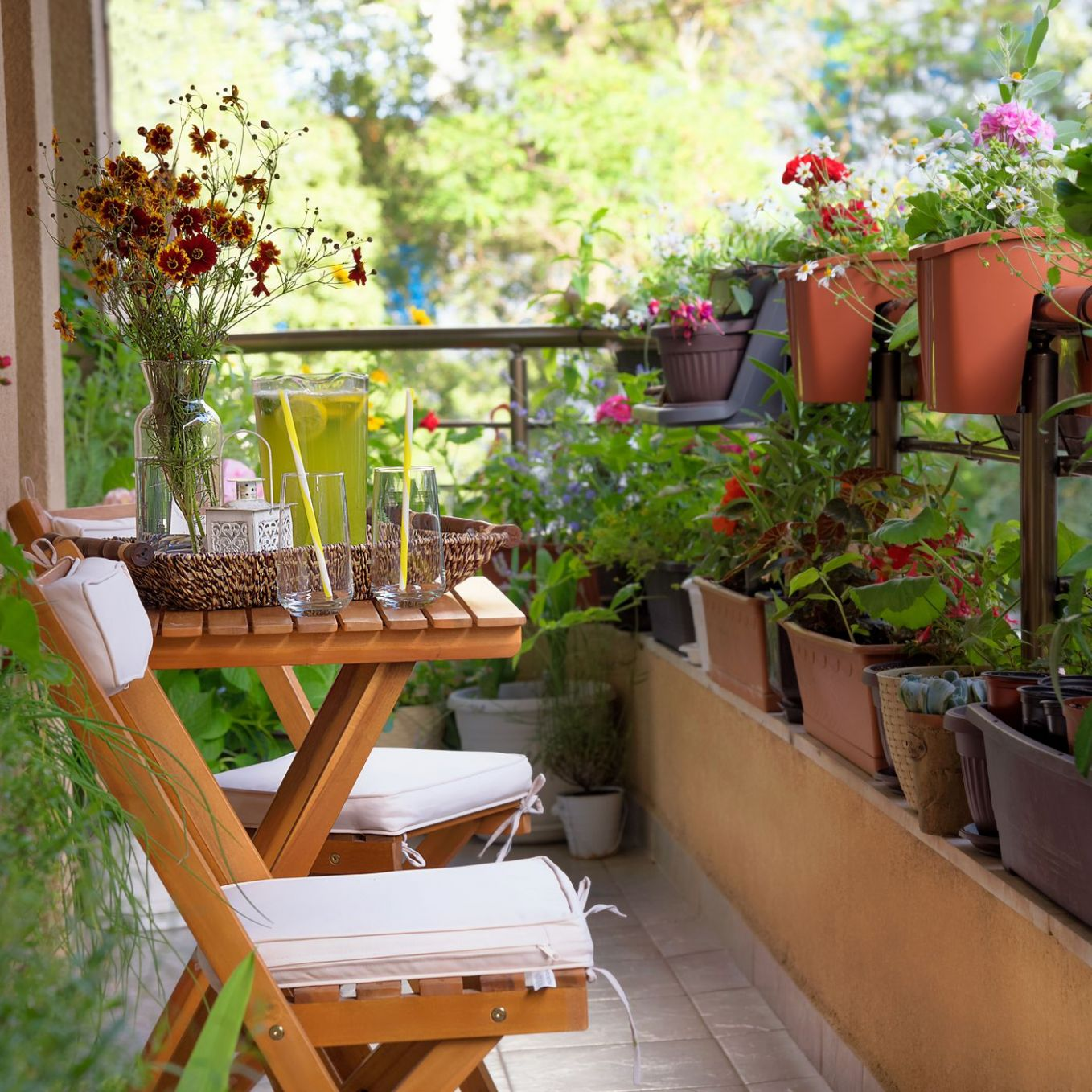Urban gardening: Ideas, tips, and products for small spaces - Curbed - jungle balcony ideas