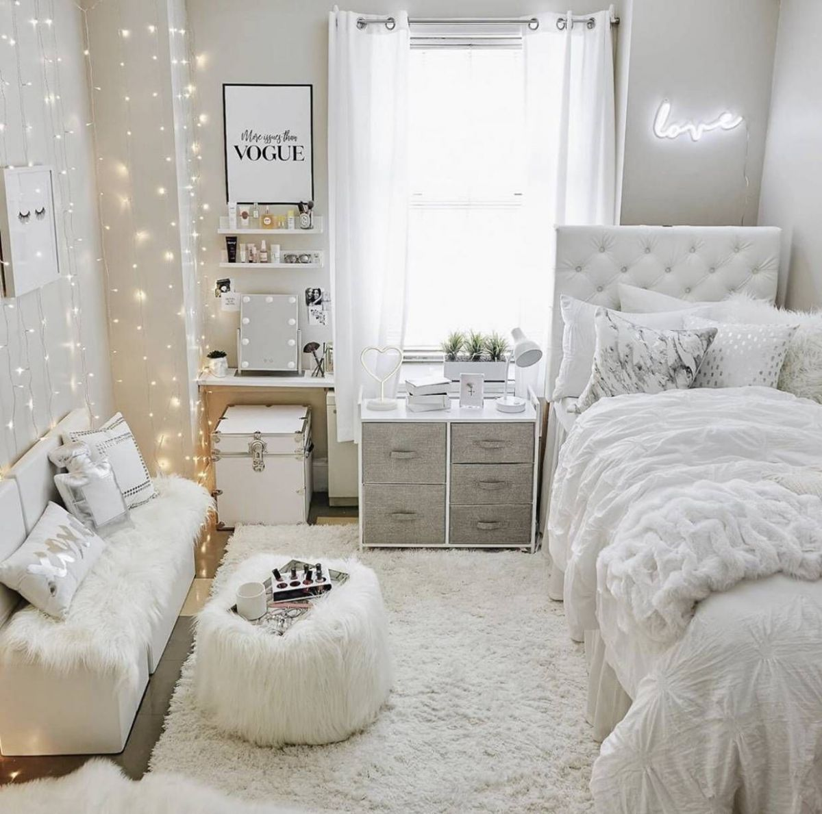 VSCO Room Ideas: How to Create a Cute Vsco Room | College room ...