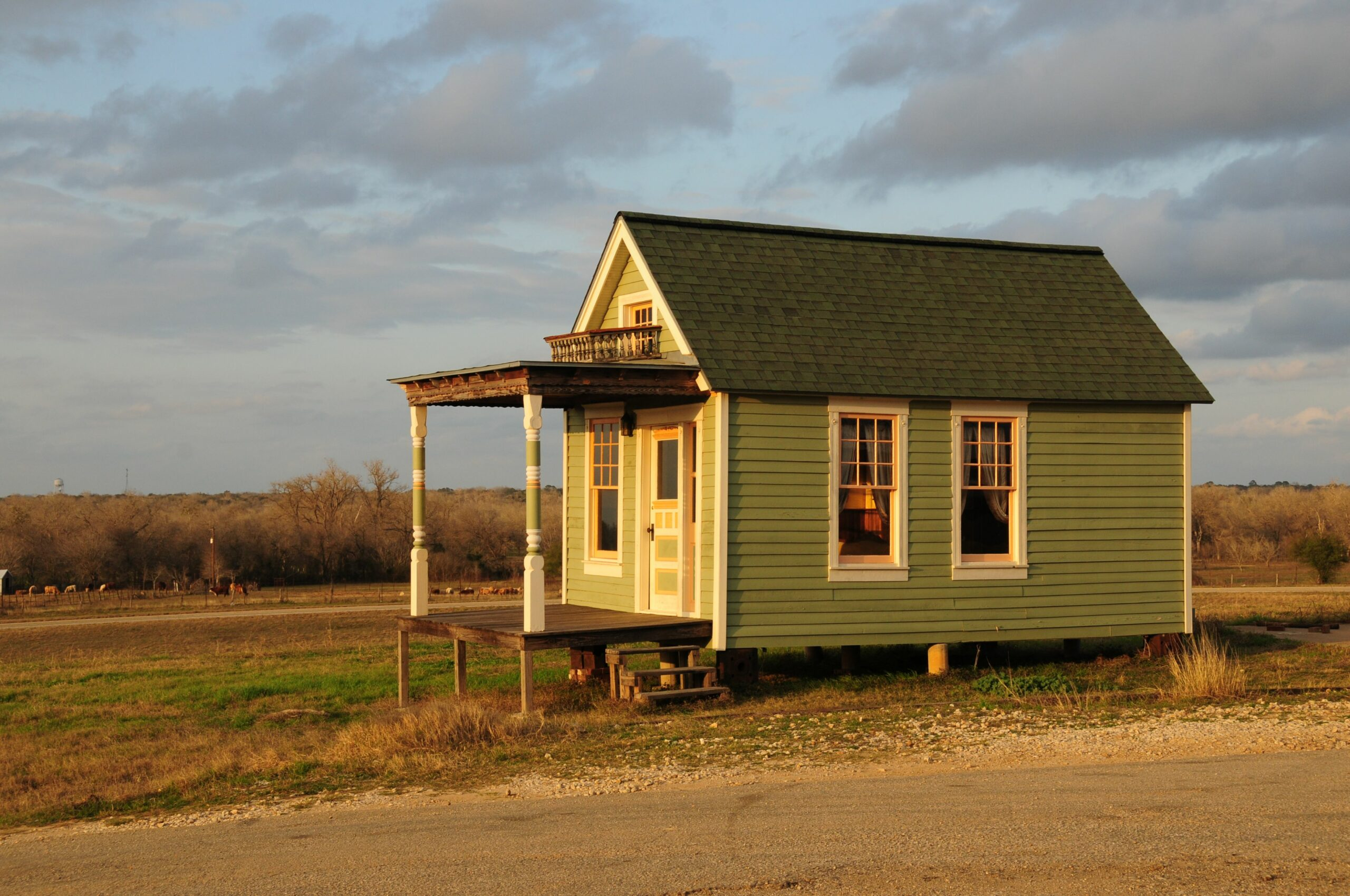 Which Tiny House Foundation is Right for You? - tiny house on foundation
