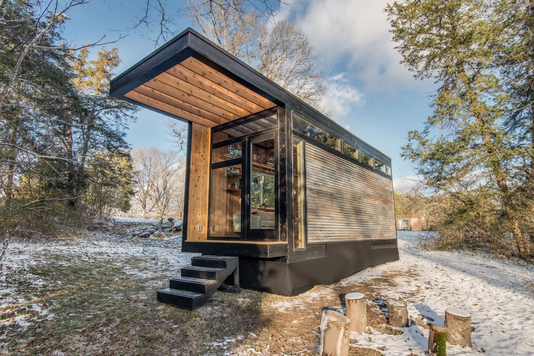 Writer's Modern/Retro Tiny House in the Woods...