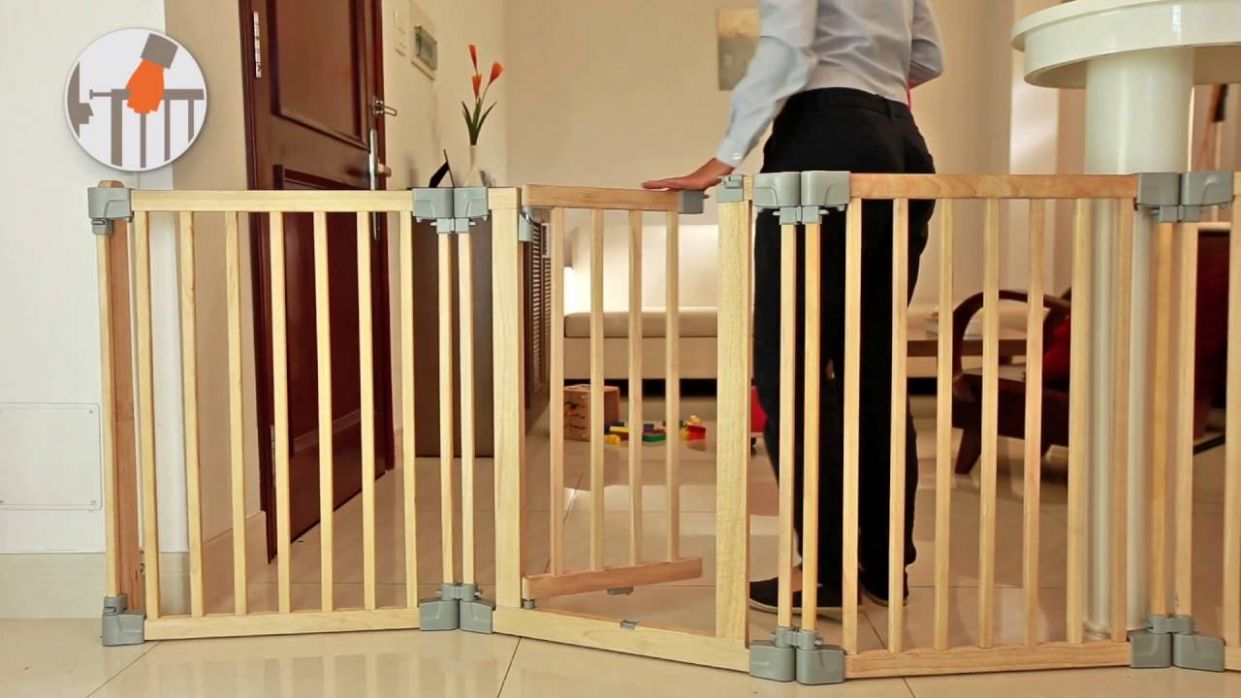 Yoko - Wooden playpen, room divider/fire surrounder, safety gate