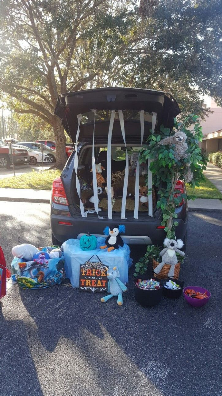 Zoo Trunk or Treat | Trunk or treat, Halloween car decorations ...